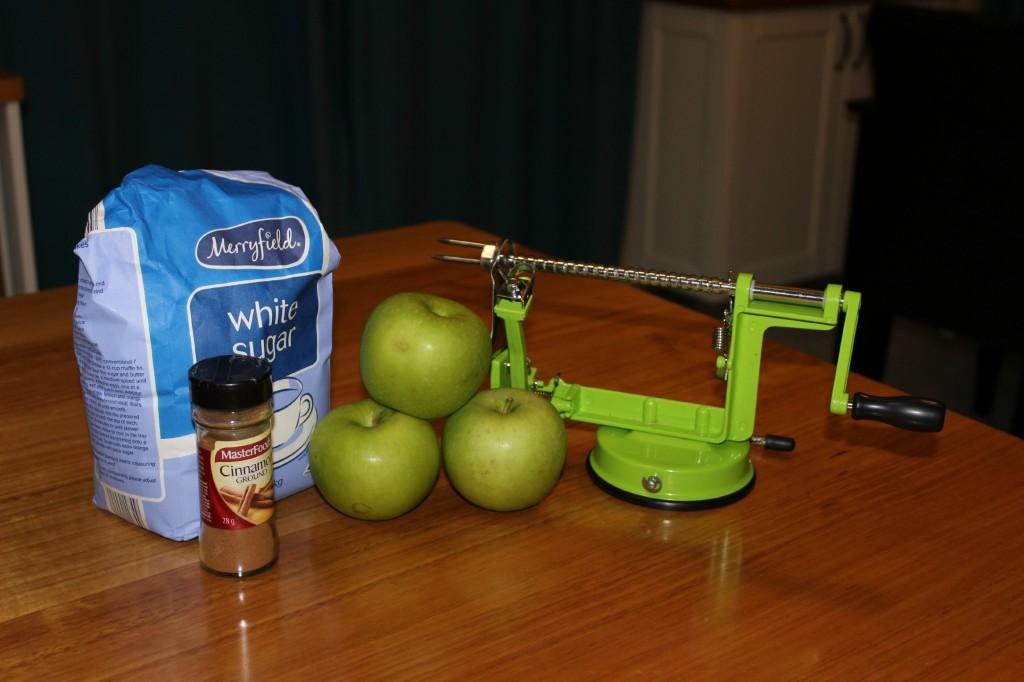 homemade-baked-cinnamon-apple-chips