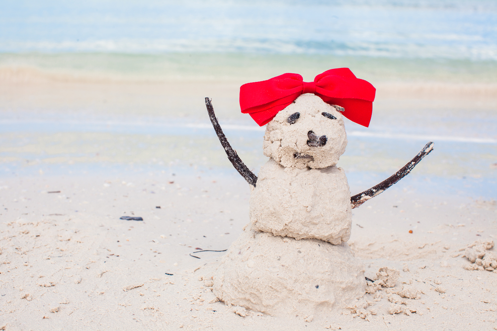 30 Days of Christmas Cheer Build a Sand Snowman