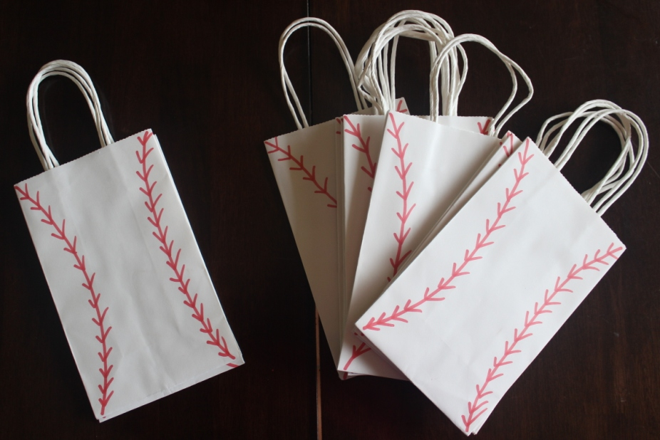 baseball birthday party treat bags from Finlee and Me