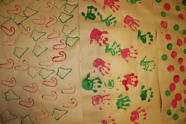 How to make handmade wrapping paper with kids at Finlee and Me