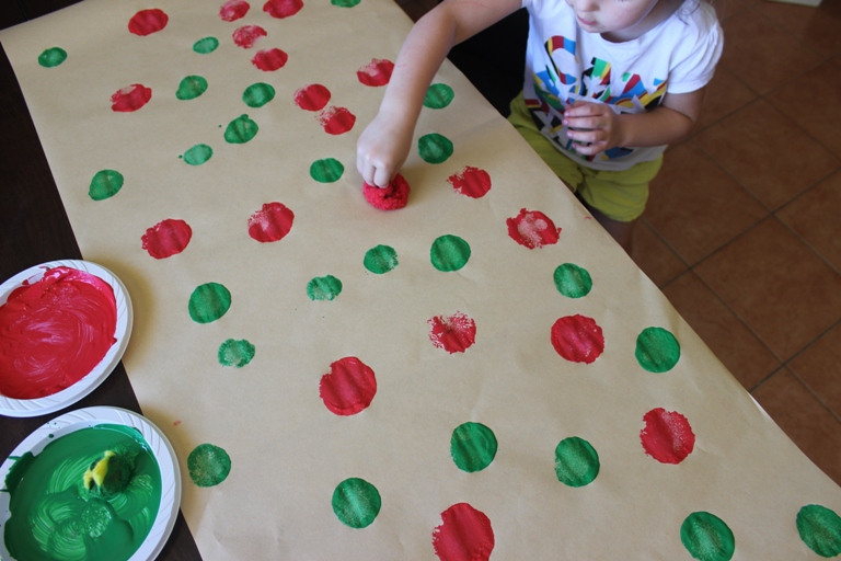 Learn patterns when making handmade wrapping paper with kids at Finlee and Me