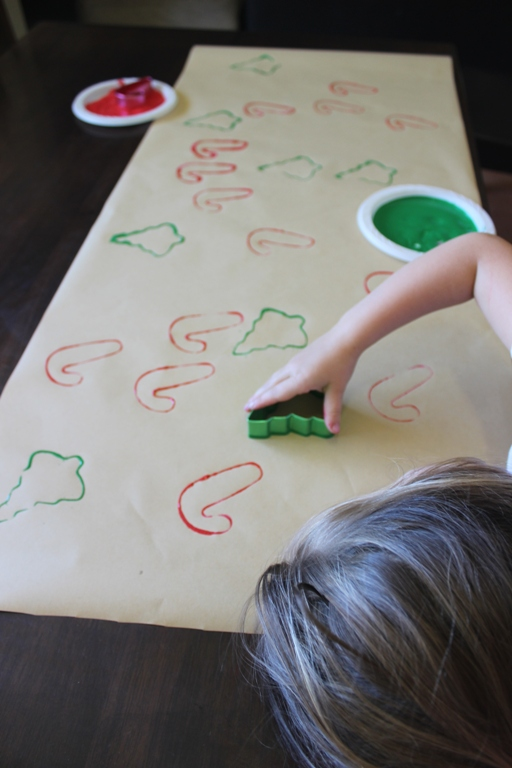 Making handmade wrapping paper with kids at Finlee and Me