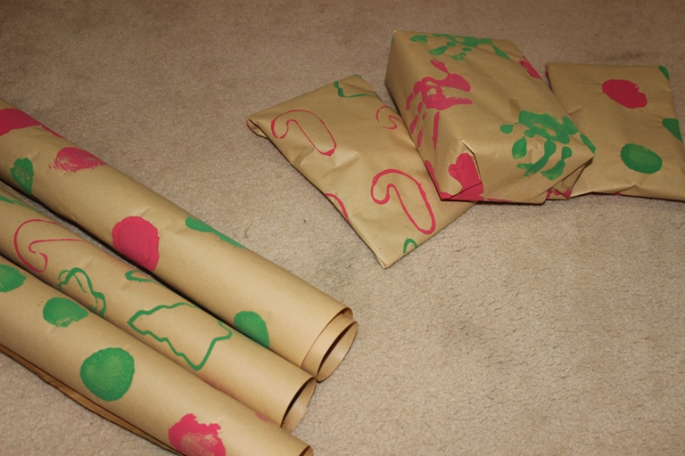 Turn kids artwork into handmade wrapping paper with Finlee and Me