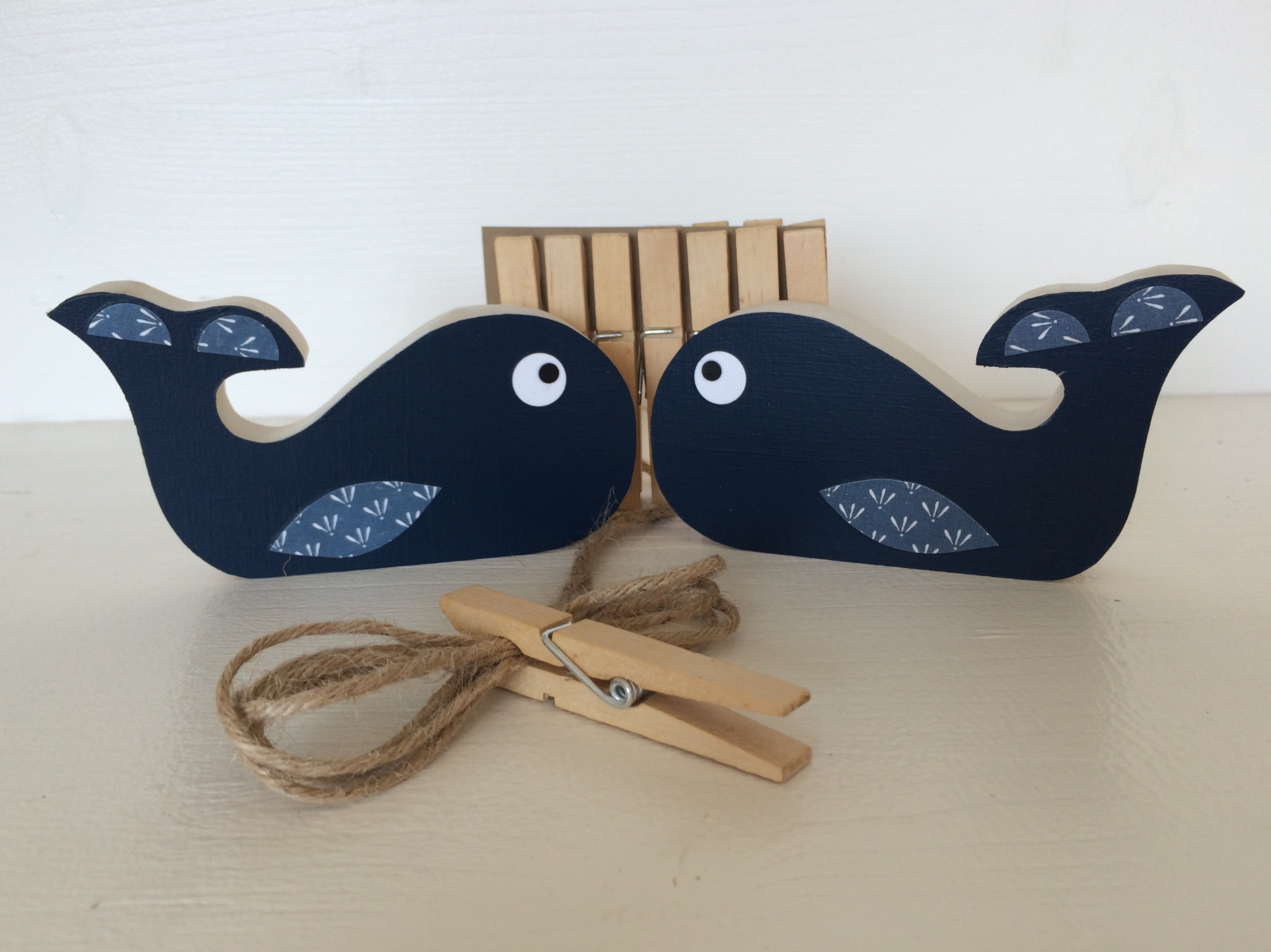 art-display-whales