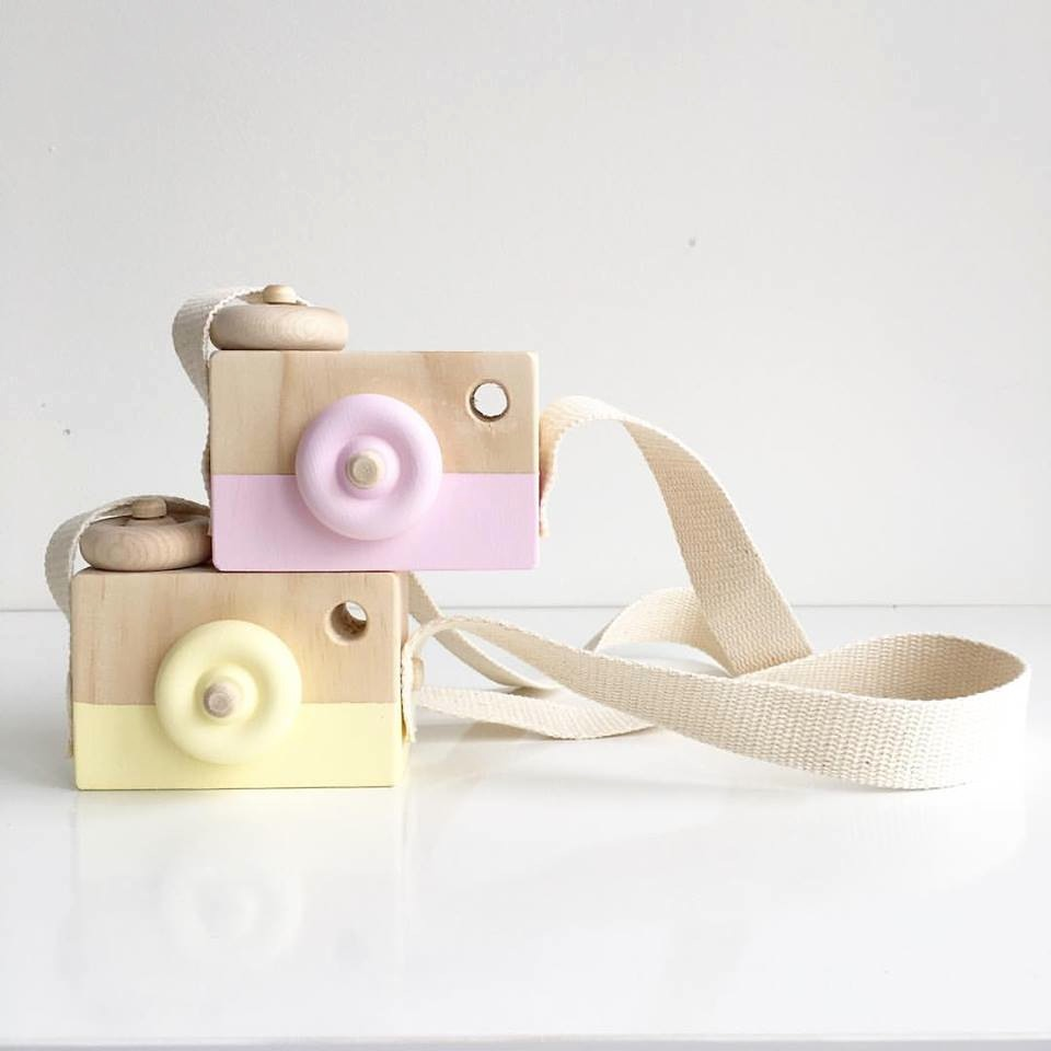 Finlee and Me – Wooden Toys – Toy Camera {Pink}