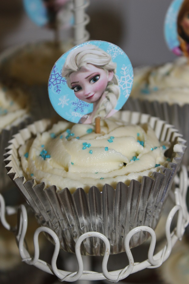 Frozen cupcake toppers Finlee and Me
