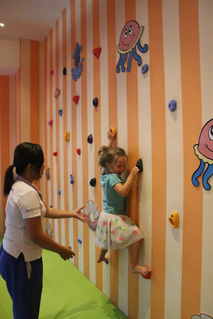 kids club holiday inn bali benoa